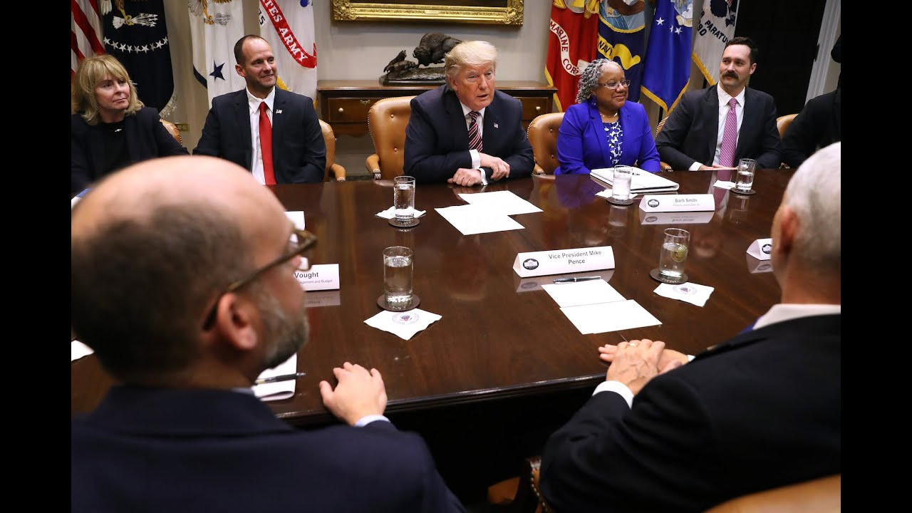live-trump-holds-roundtable-discussion-with-industry-executives-epoch-news-ccp-virus-covid-19